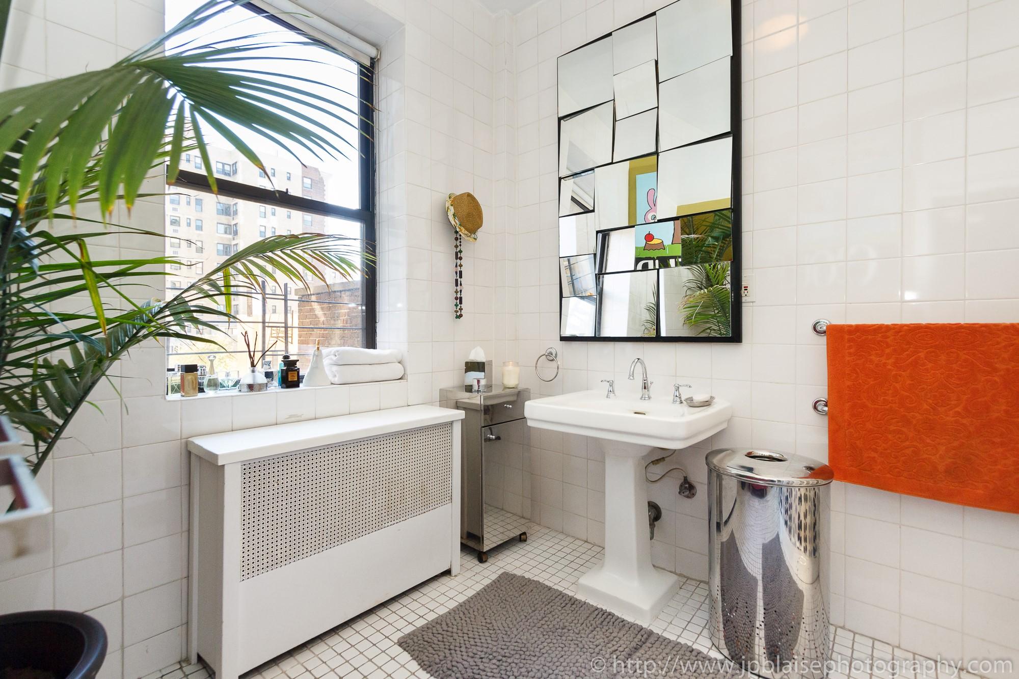 apartment photographer new york city upper west side bathroom