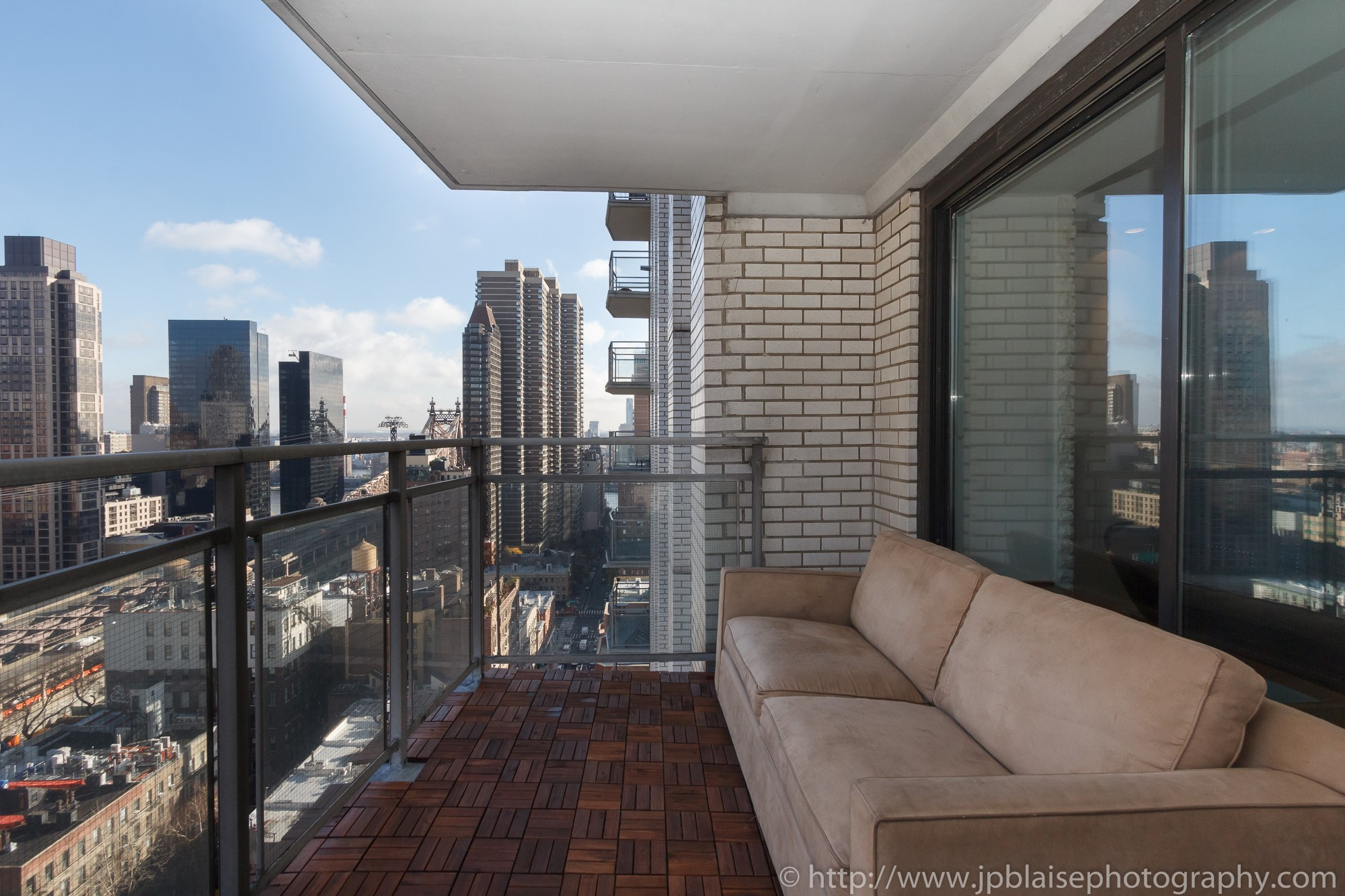 Three bedroom apartments in nyc home design for New york balcony view
