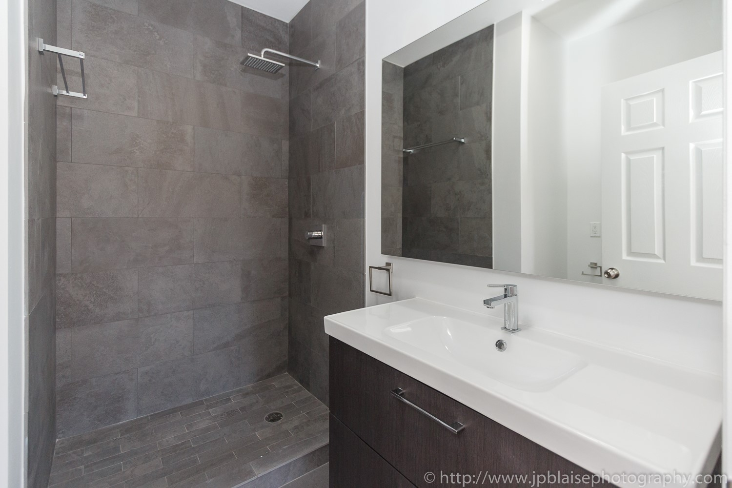 Bathroom design picture Apartment photographer bedford stuyvesant apartment New York brooklyn photography