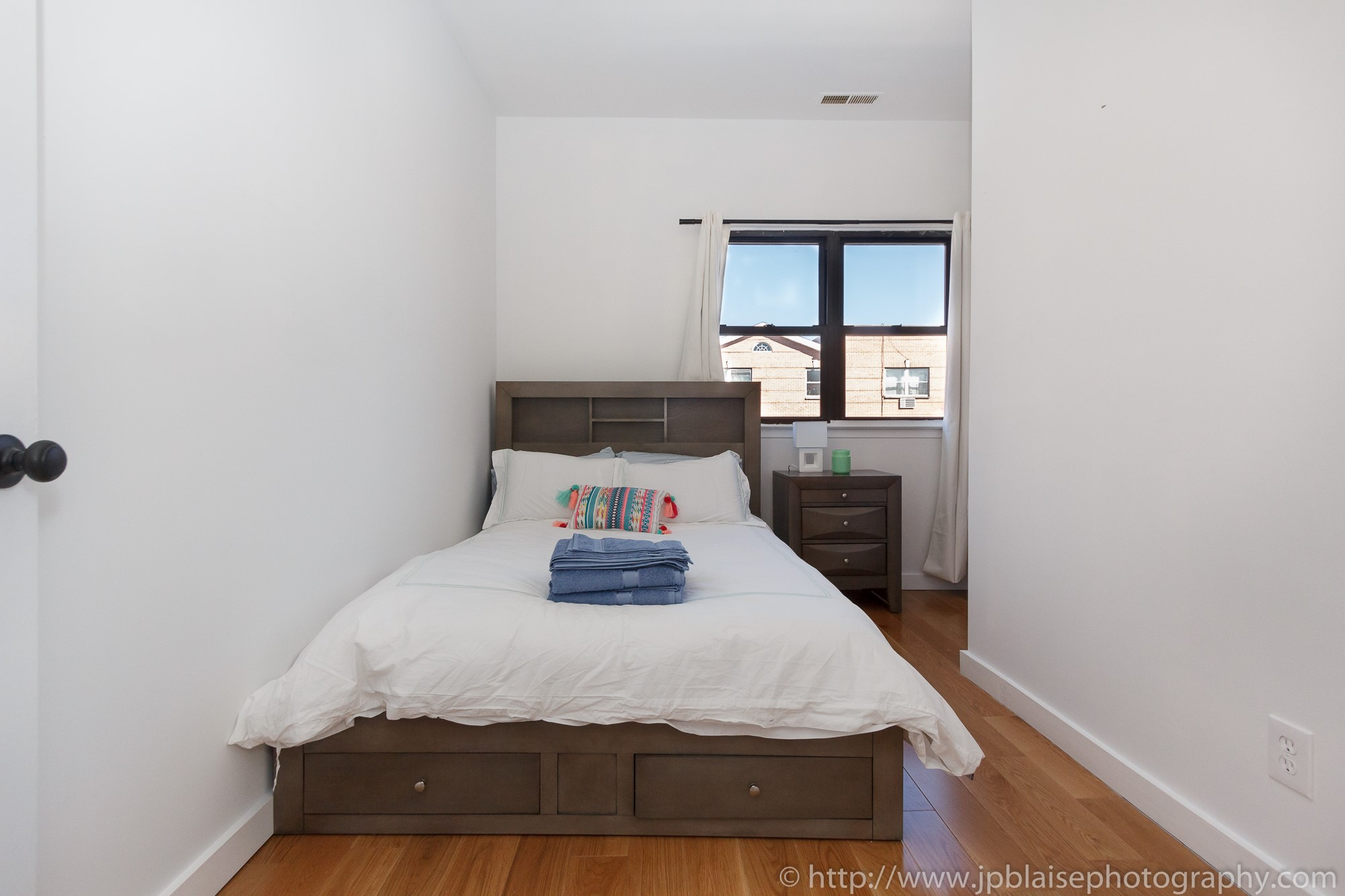 Recent Brooklyn Apartment Photographer Work: 3 Bedroom Unit In Trendy  Bushwick