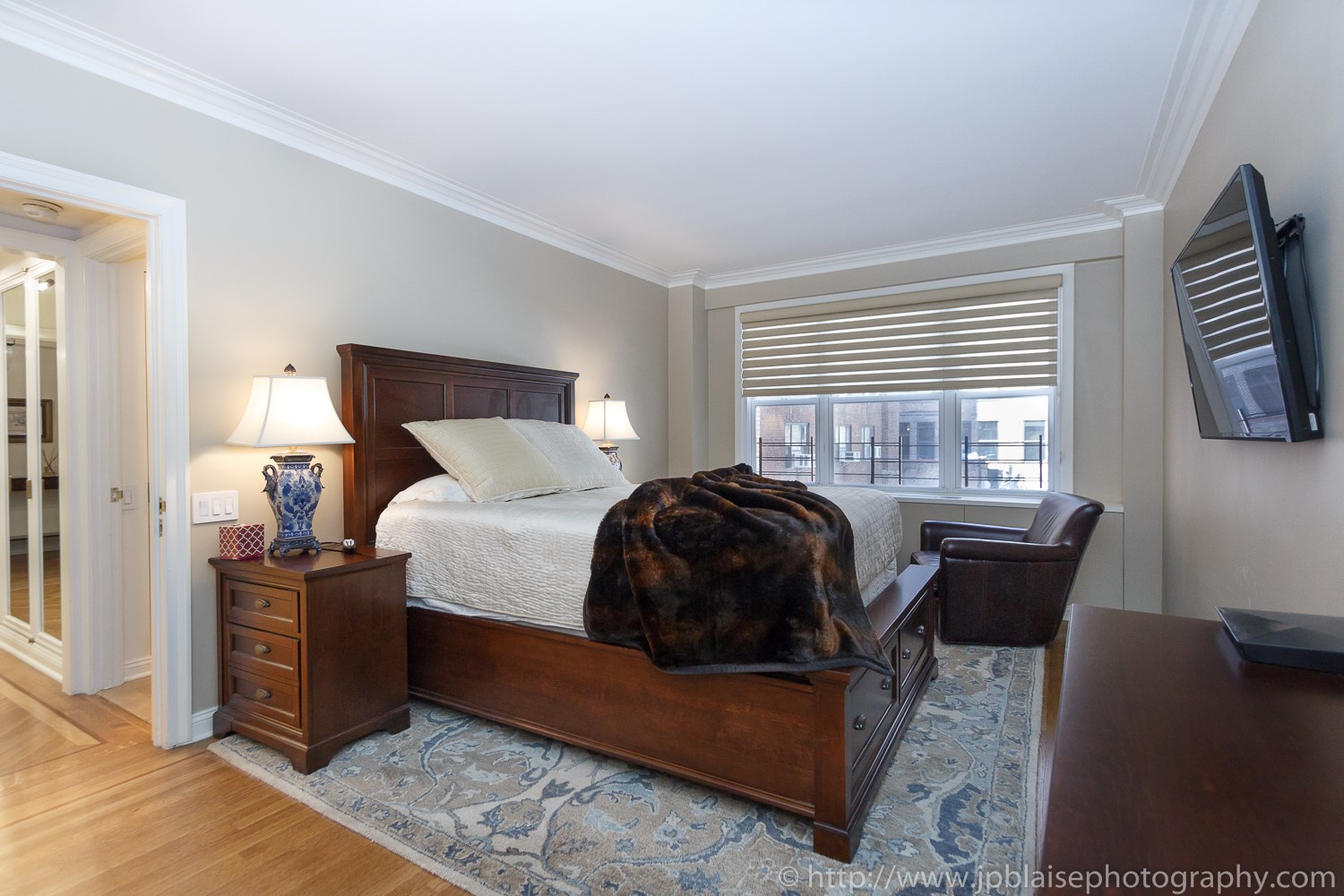 Interior new york two bedroom apartment in murray hill