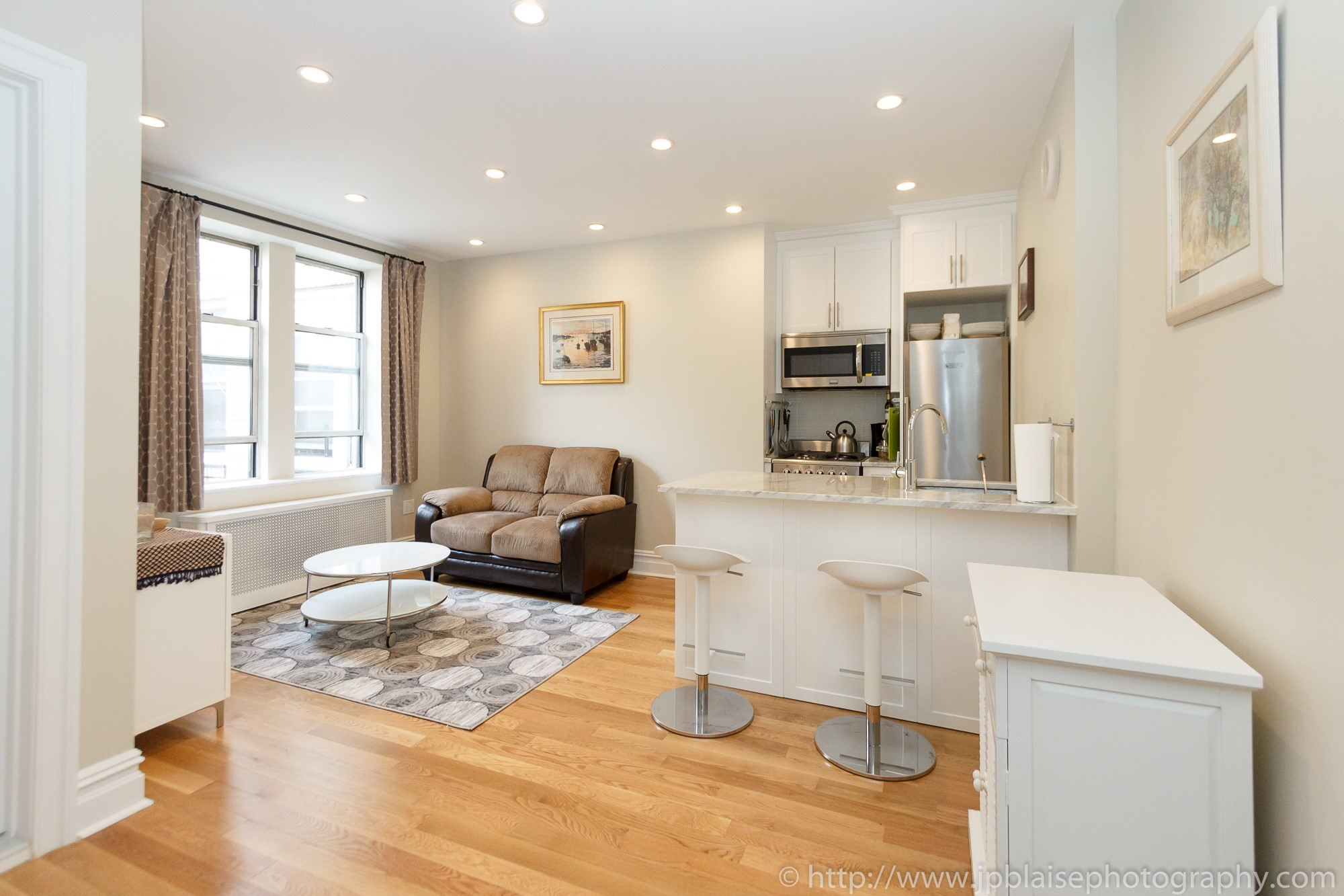 Interior photographer nyc one bedroom apartment in washingto0n heights manhattan new york living room