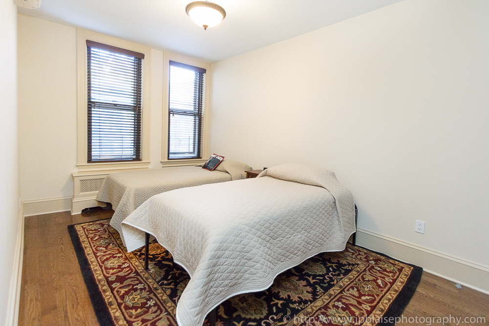 Professional photo shoot of third bedroom (Brooklyn Heights apartment, New York)