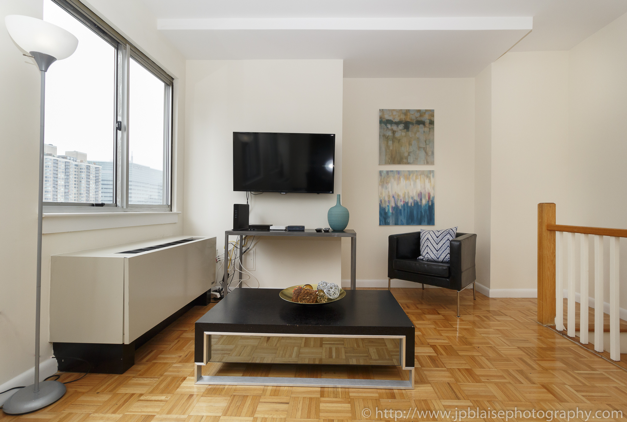NY apartment photographer real estate airbnb interior midtown manhattan living room