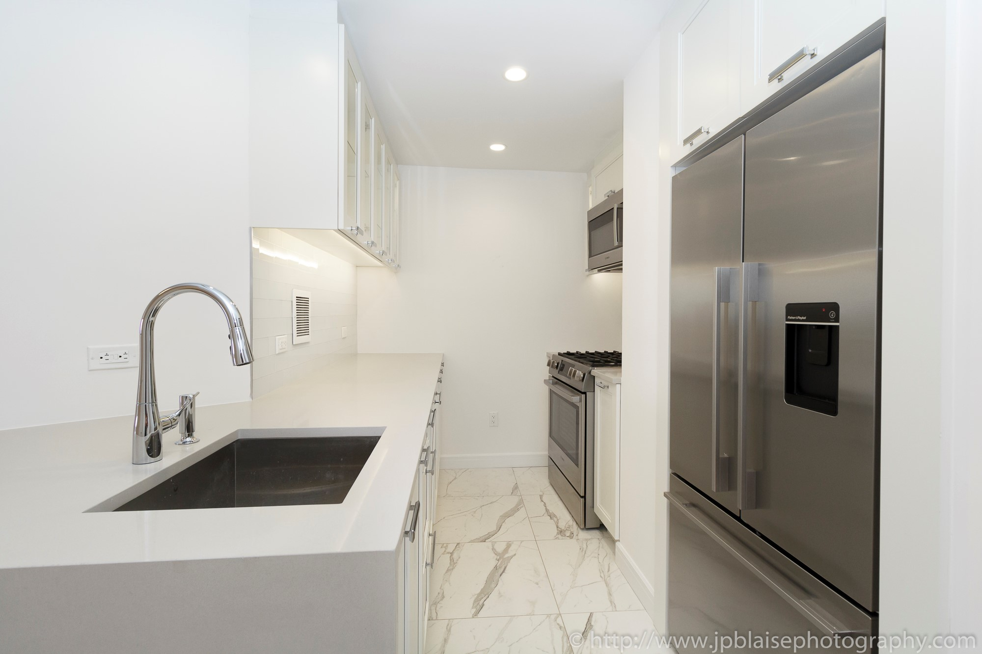 NY apartment photographer real estate interior architectural one bedroom Midtown East Manhattan New York appliances