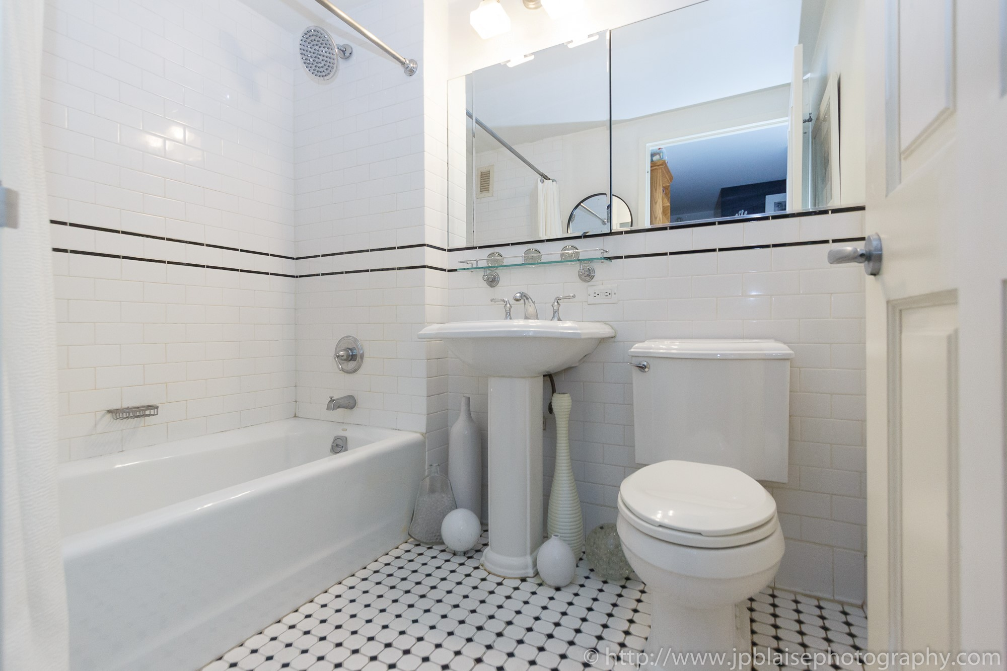 NYC apartment photographer central harlem condo unit new york city bathroom