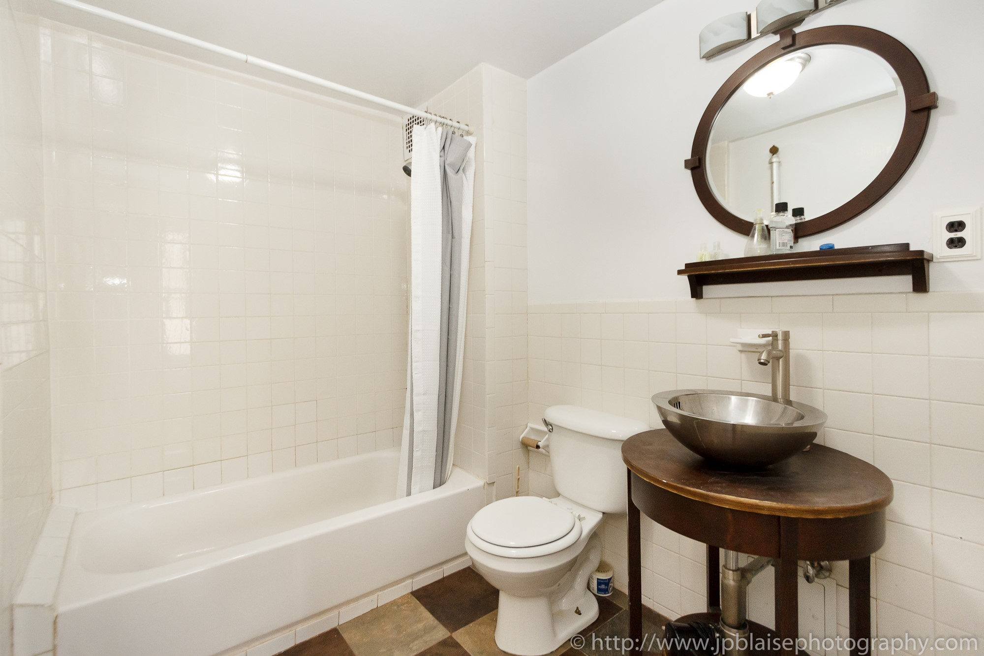 nyc apartment photographer one bedroom fort greene brooklyn new york city bathroom