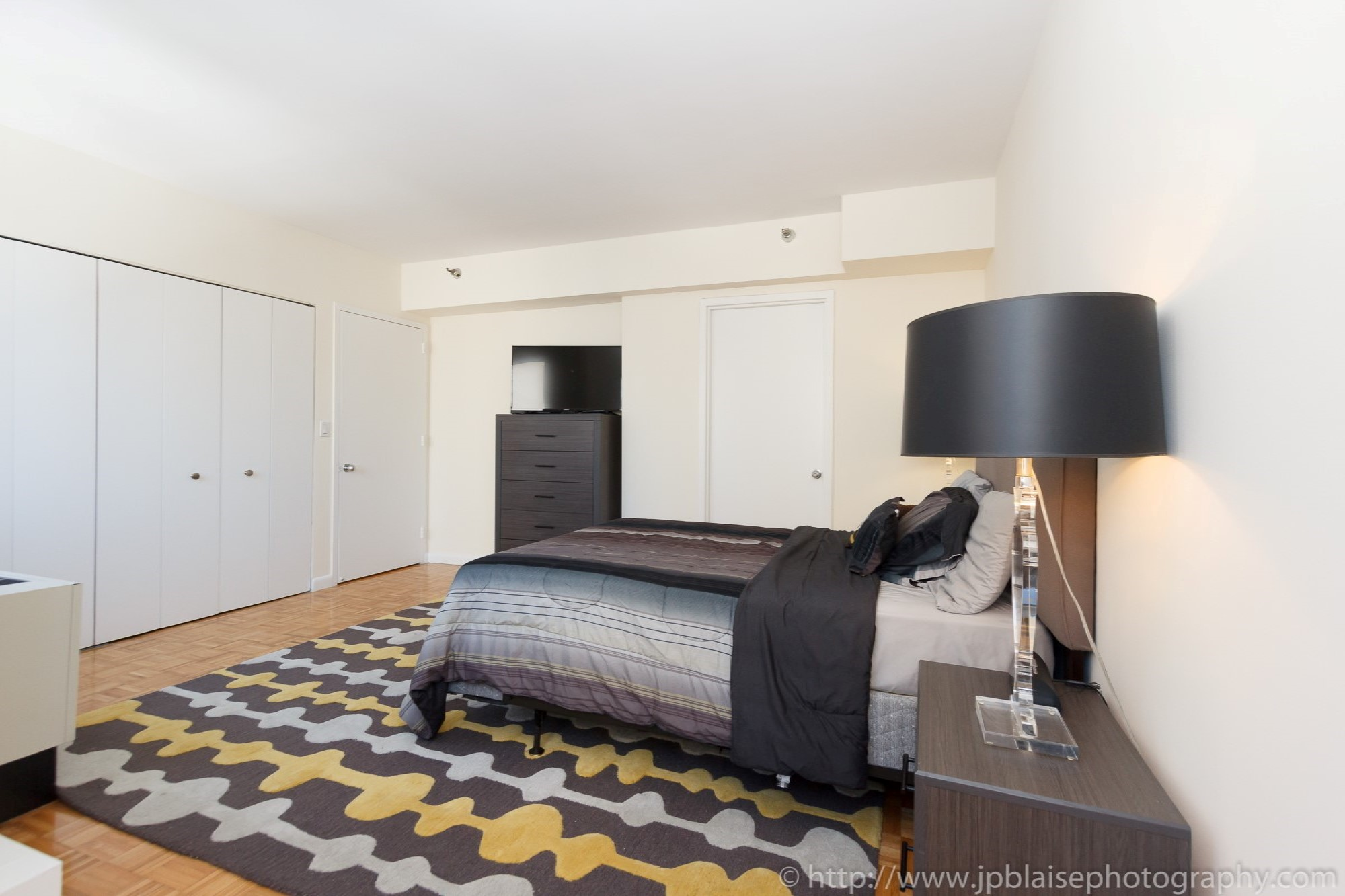 NYC-apartment-photographer-two-bedroom-midtown-master-2