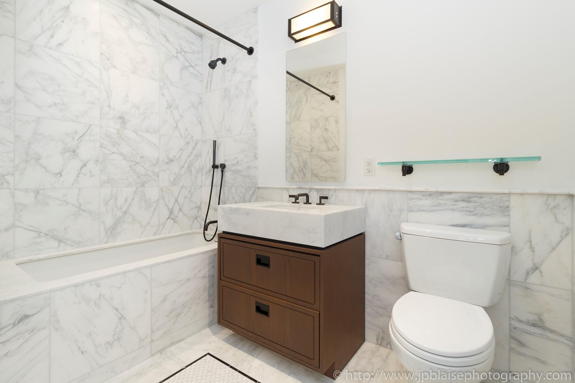 New York Apartment Photographer one bedroom condo manhattan flatiron district NY NYC bathroom