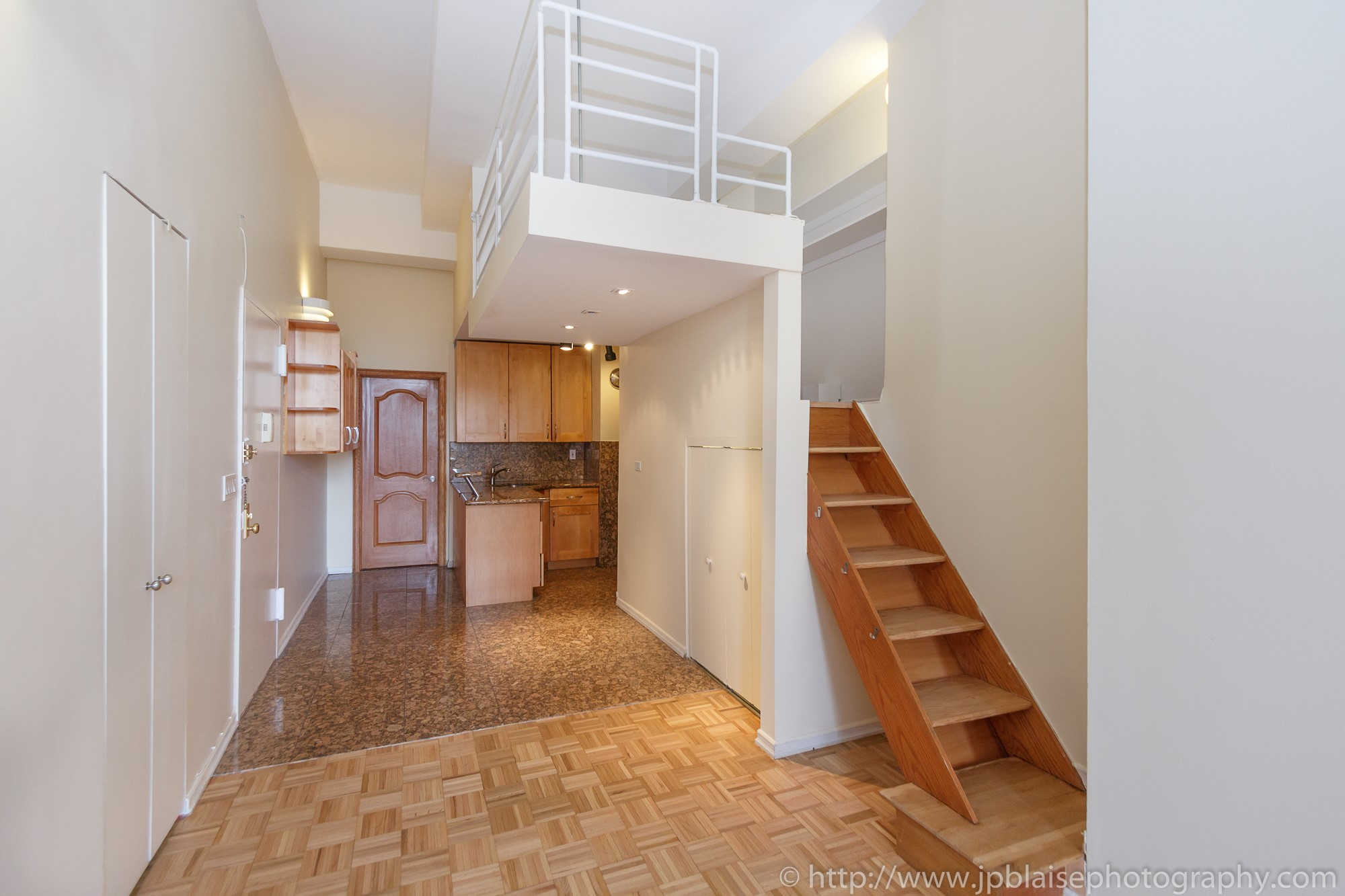 New- ork City apartment photographer Midtown East One Bedroom unit kitchen