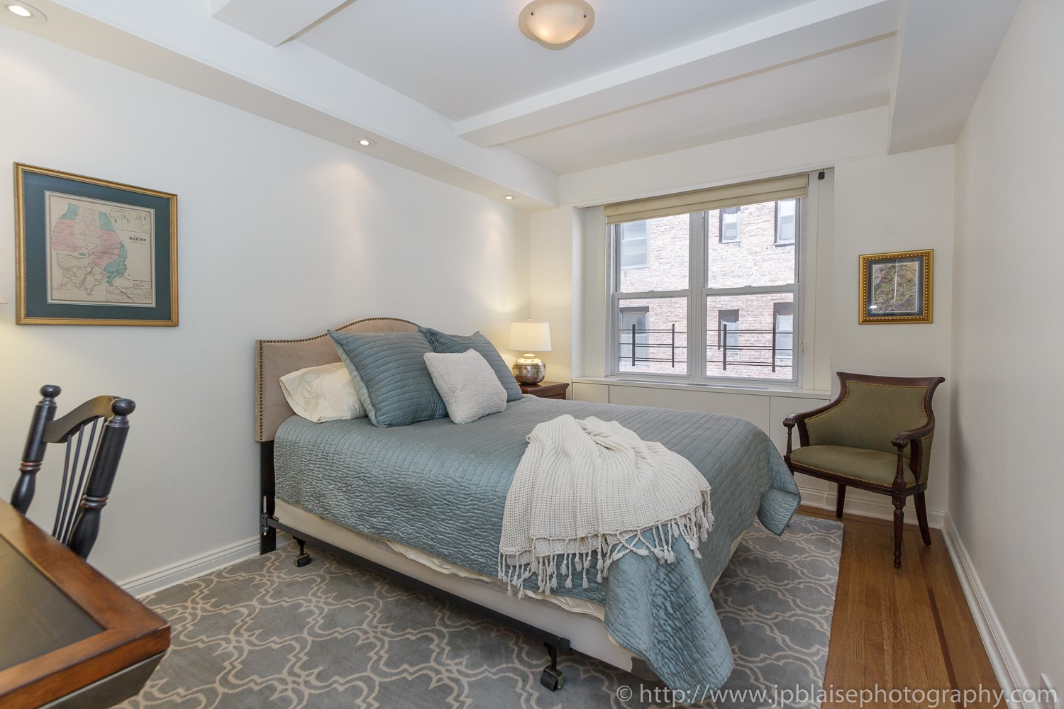 New York Real estate photographer two bedroom apartment in murray hill
