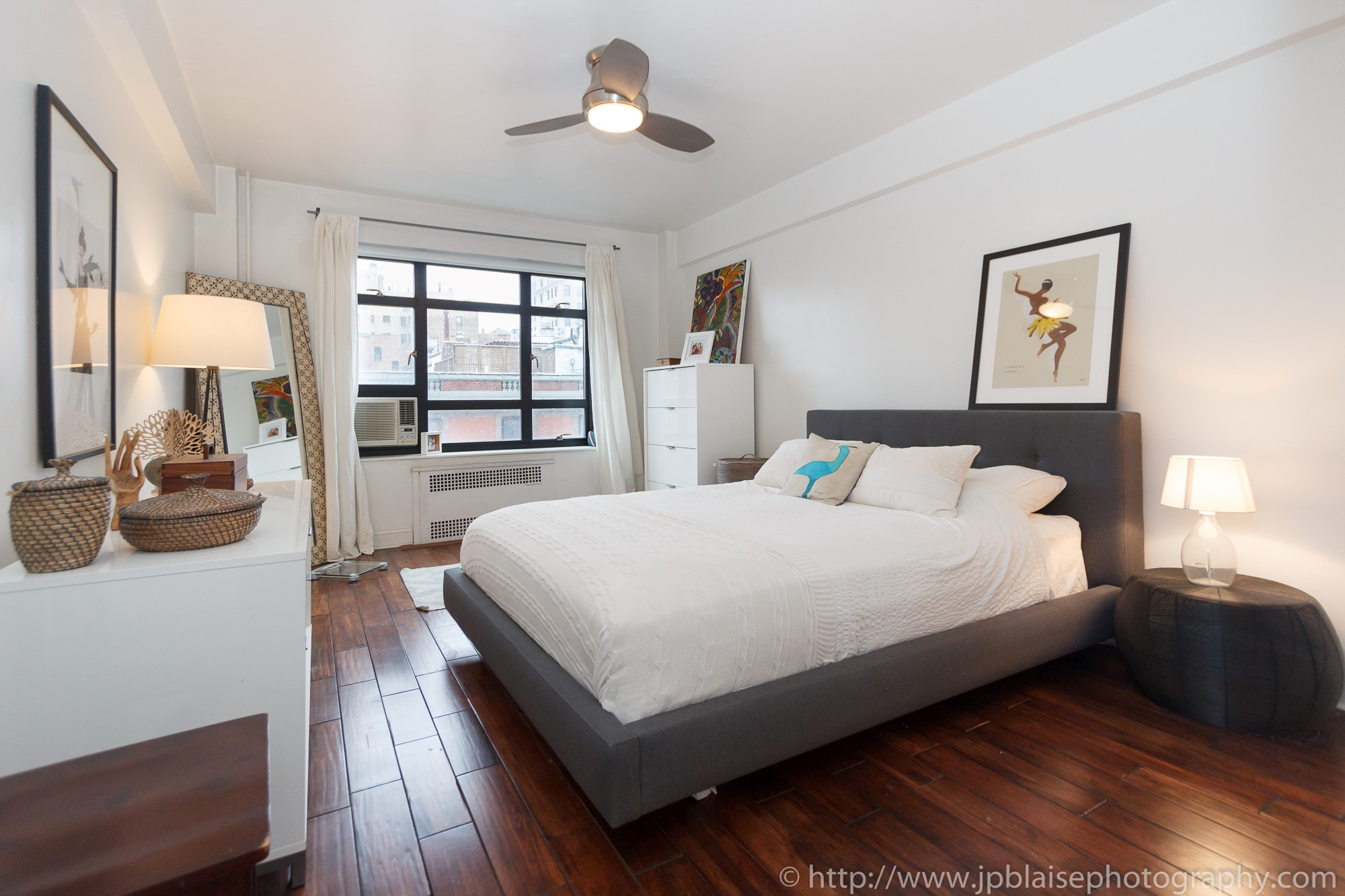 New York City Apartment Photographer work of the day  One bedroom unit in  Brooklyn Heights. New York City Apartment Photographer work of the day  One bedroom
