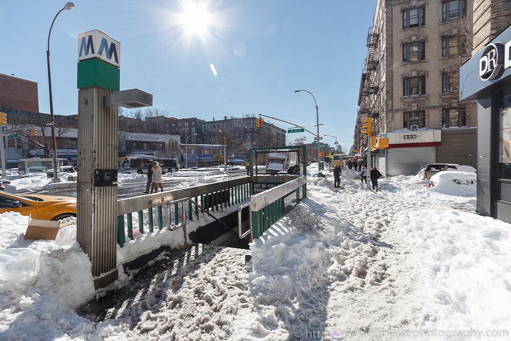 New York street under the snow (Hamilton Heights, Uptown New York)