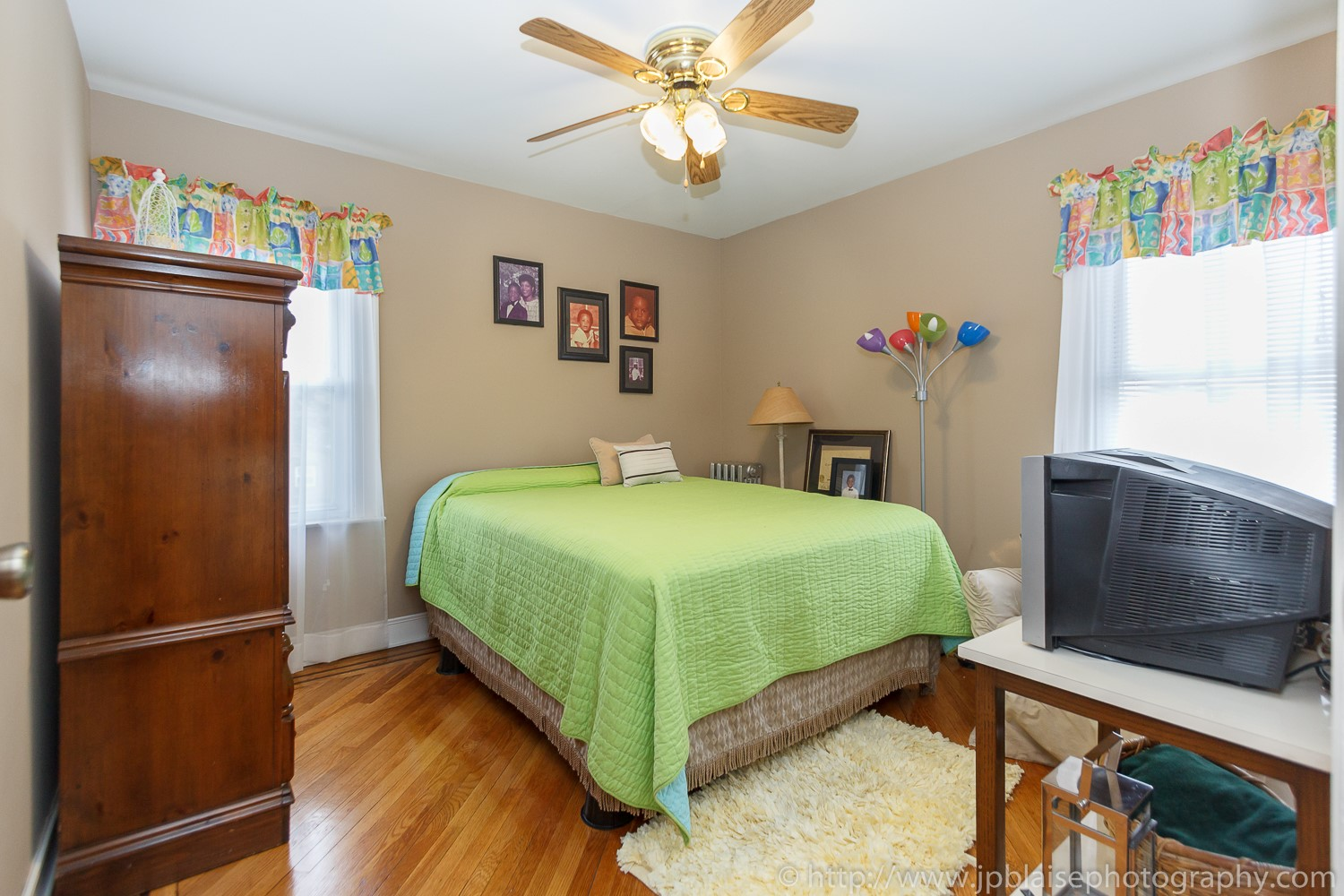 New york apartment photographer room to rent in queens village house
