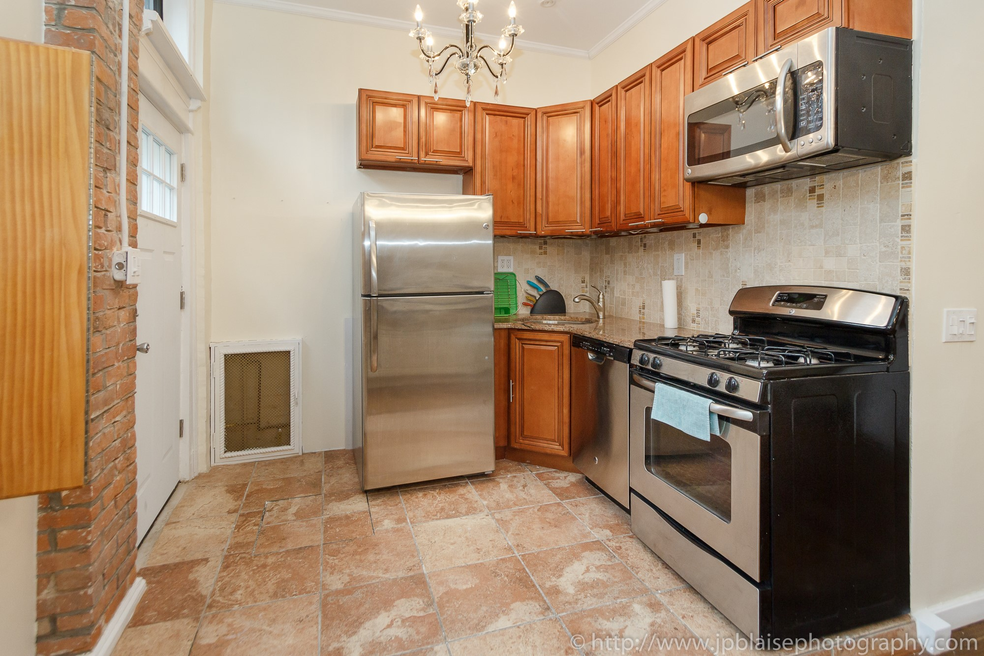 New york city Apartment photographer two bedroom in boerum hill brooklyn picture of kitchen