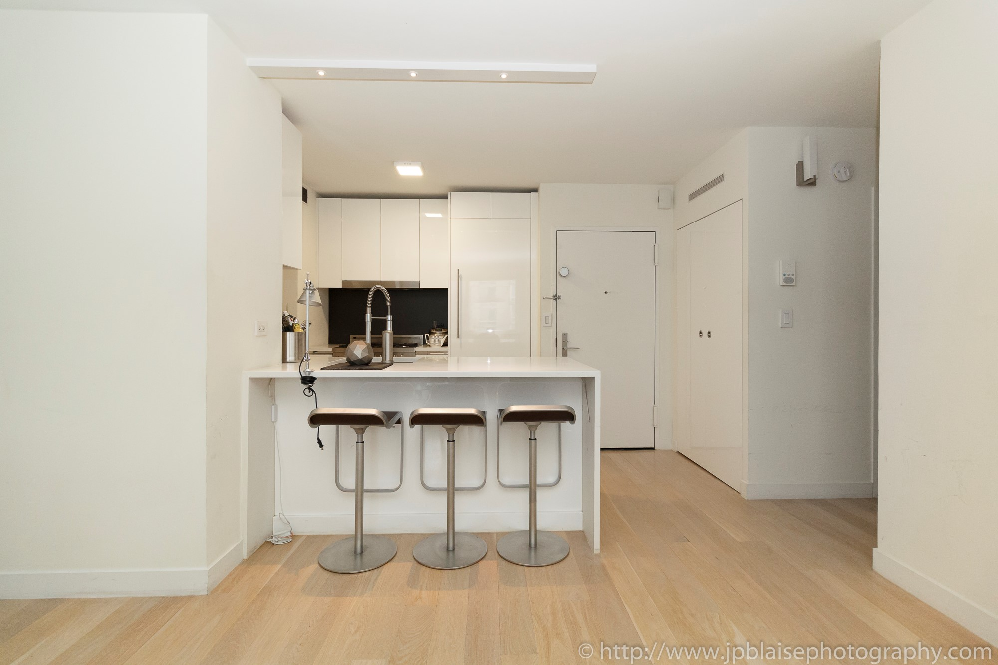 New york city apartment photographer ny nyc real estate interior photography midtown west kitchen