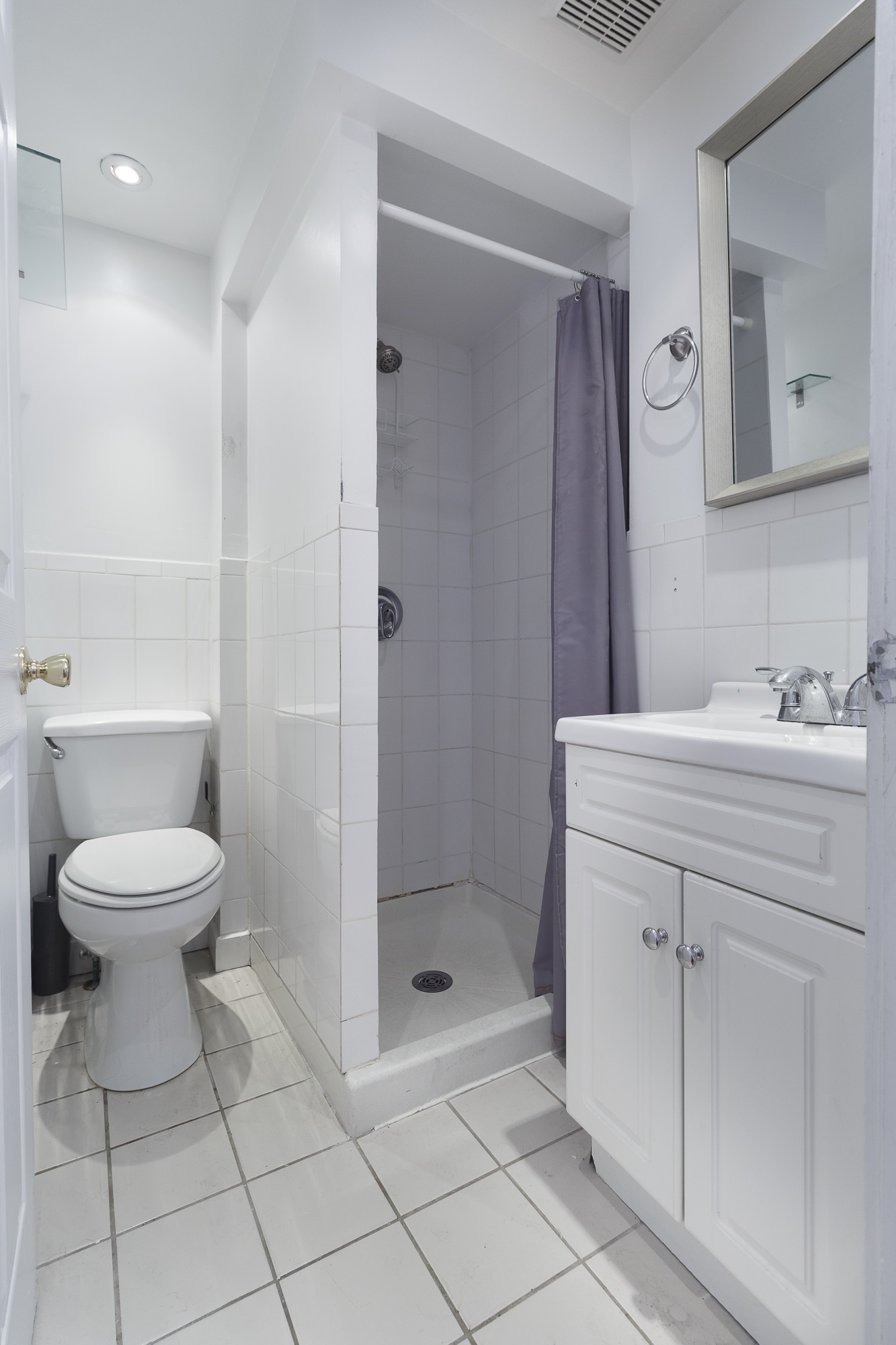 New york ny nyc apartment real estate interior photographer one bedroom midtown east manhattan bathroom