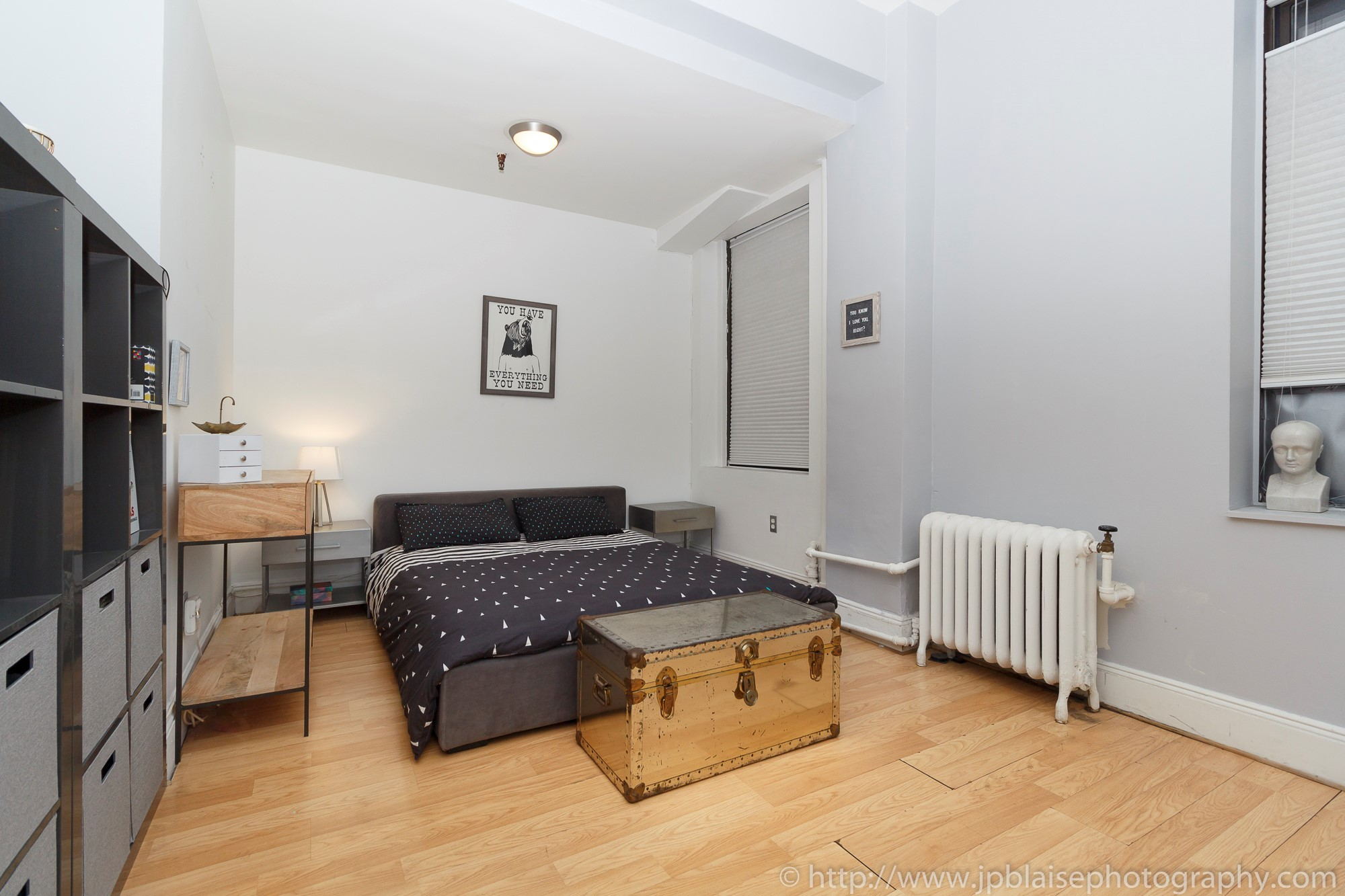 Nyc apartment photographer real estate new york studio loft brooklyn heights sleeping alcove