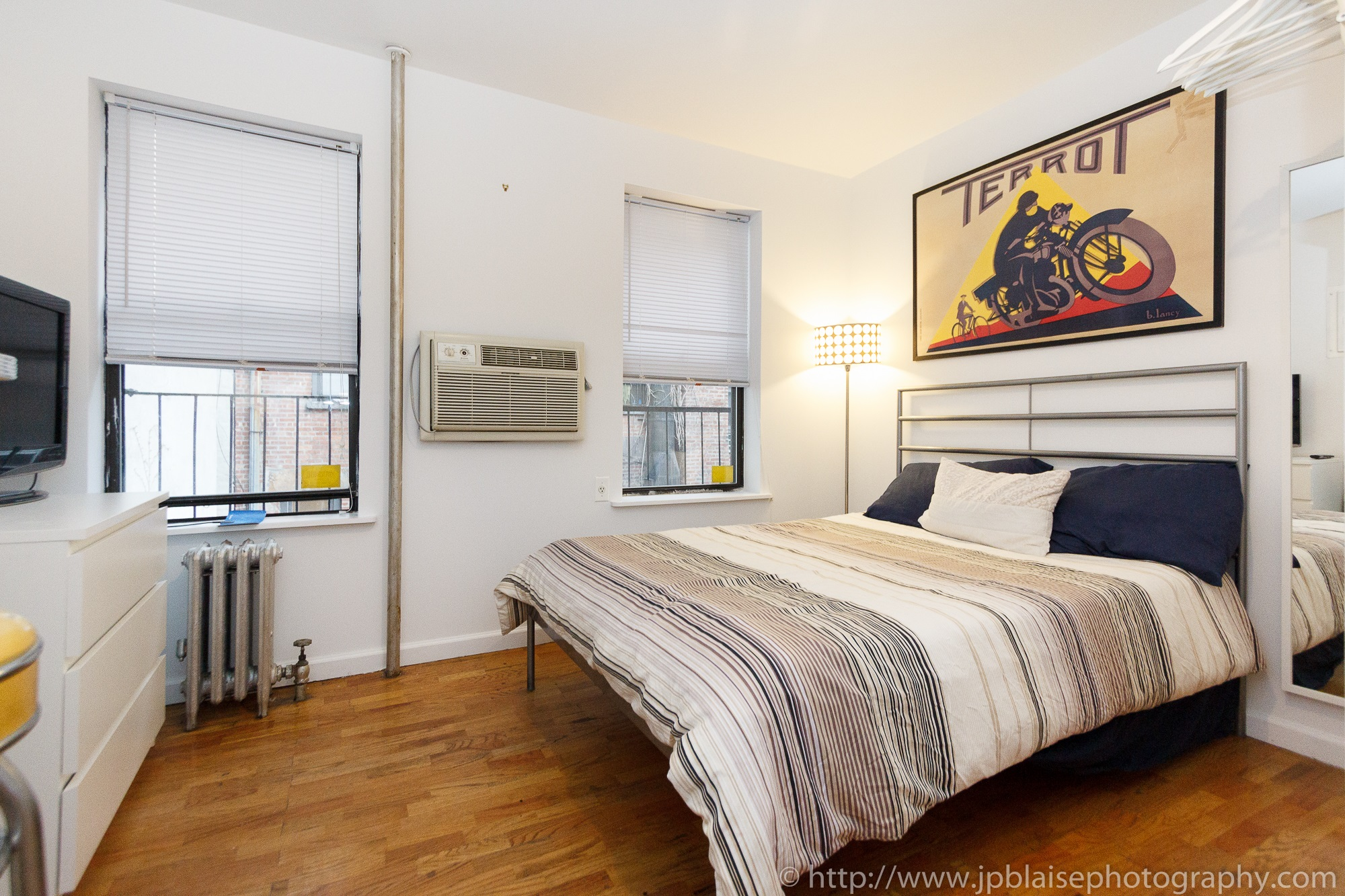 Real Estate Photographer work: rooms for rent in midtown west new york city manhattan