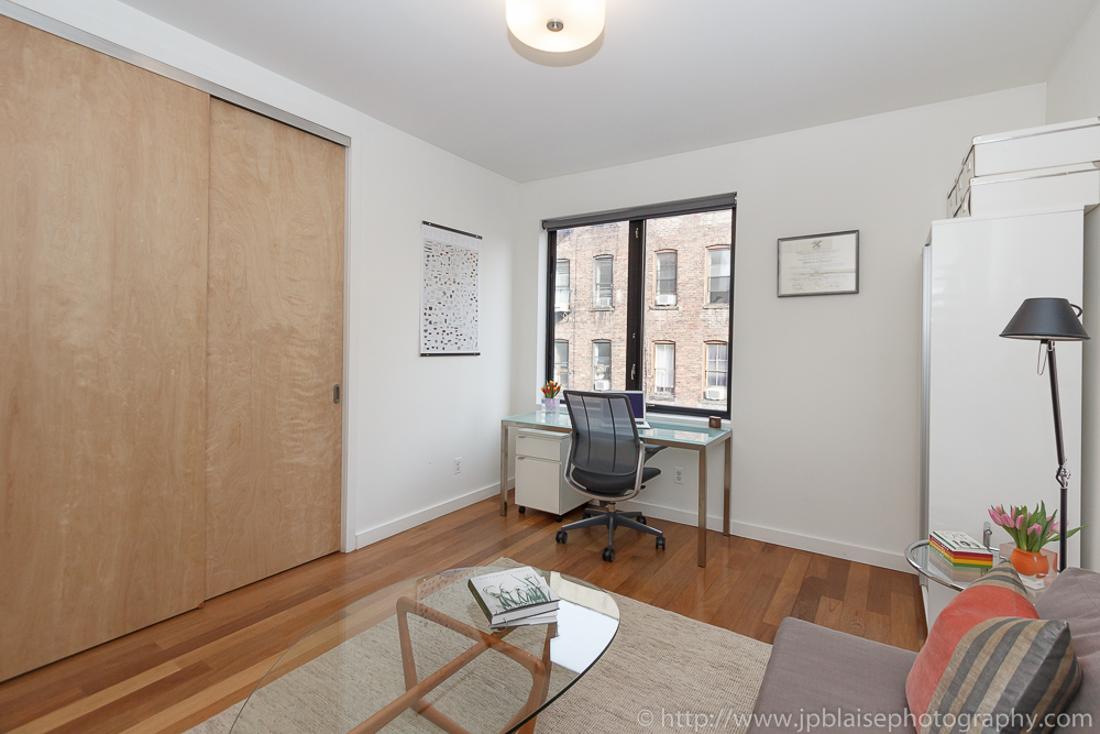 New York apartment photographer work: office in Greenwich village