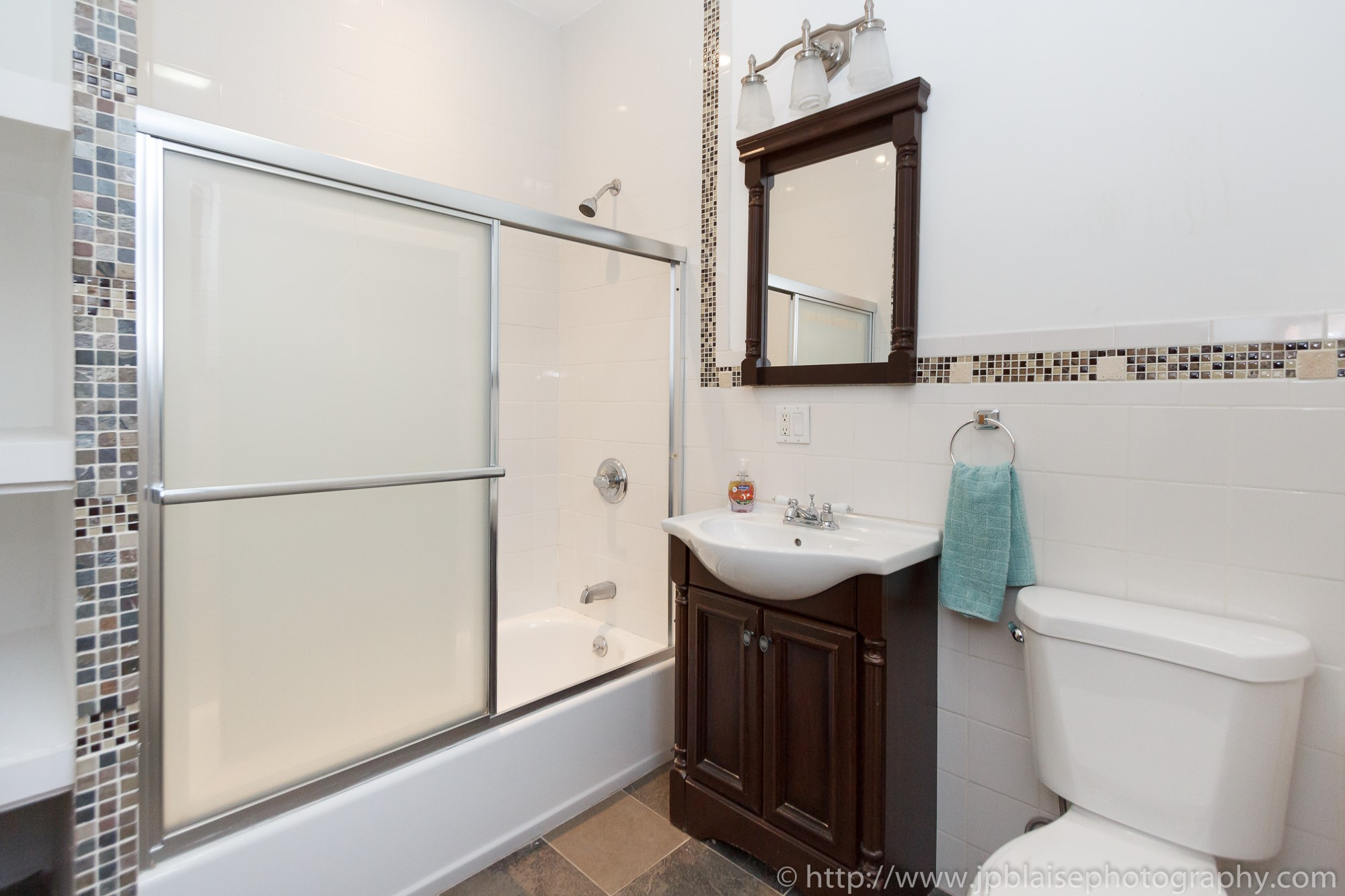 bathroom New york city Apartment photographer two bedroom in boerum hill brooklyn
