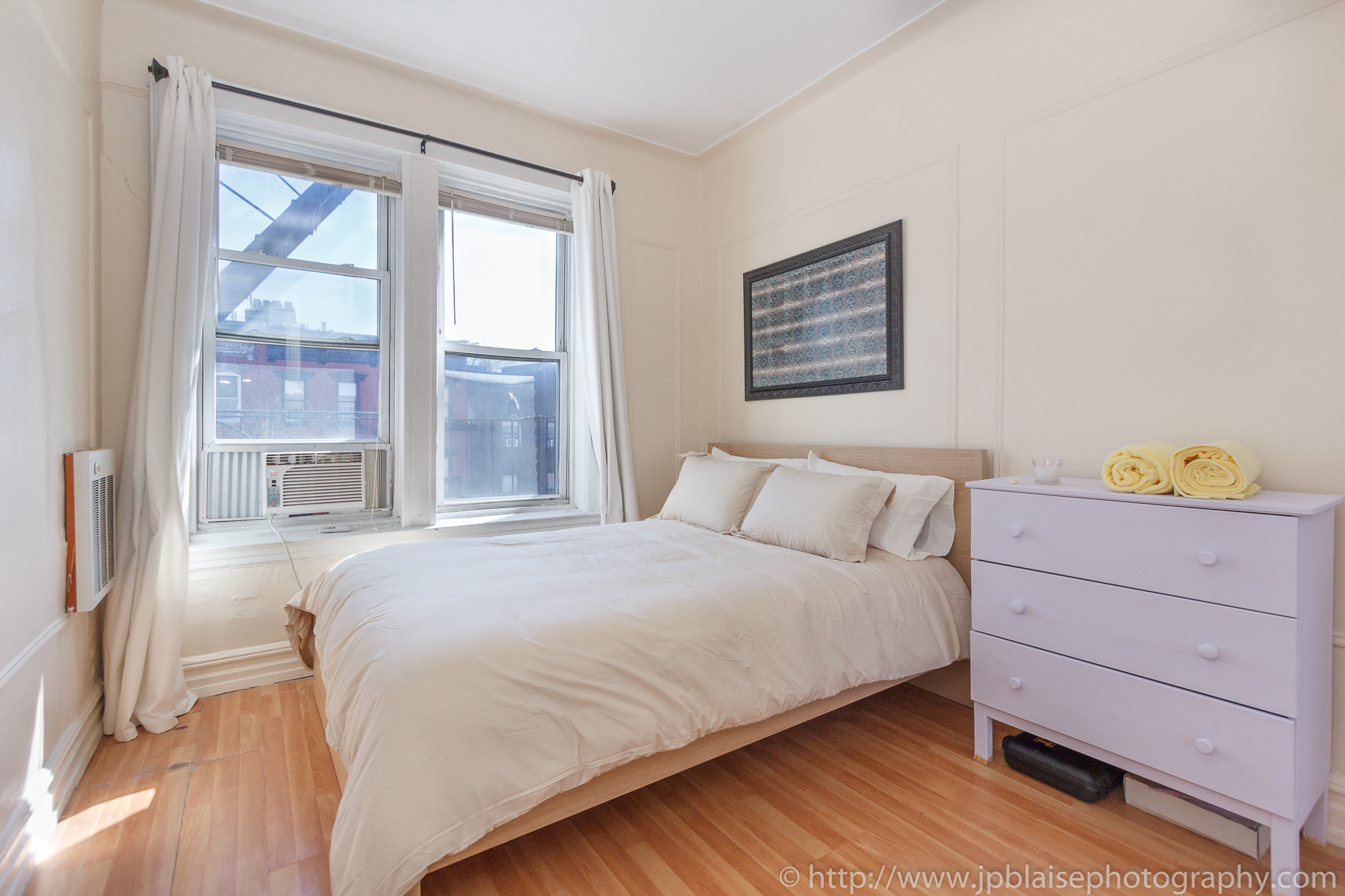 Recent nyc apartment photographer work cozy 2 bedroom 1 bathroom apartment in east for Two bedroom apartments in brooklyn ny