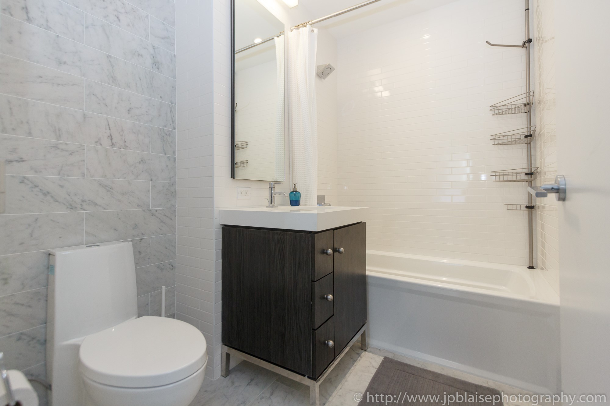 new york city apartment photographer midtown west bathroom