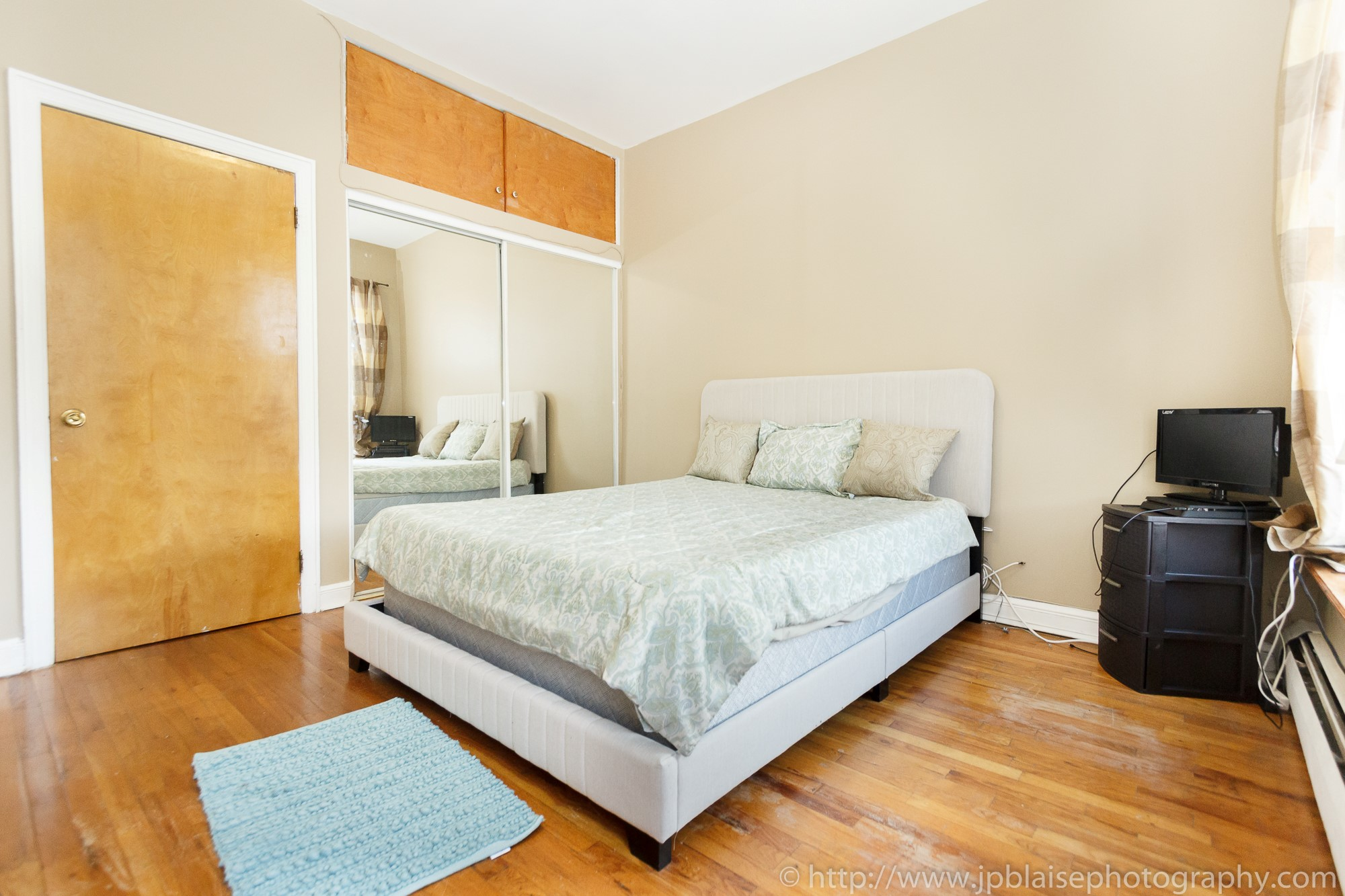 new york city real estate photographer one bedroom harlem bedroom